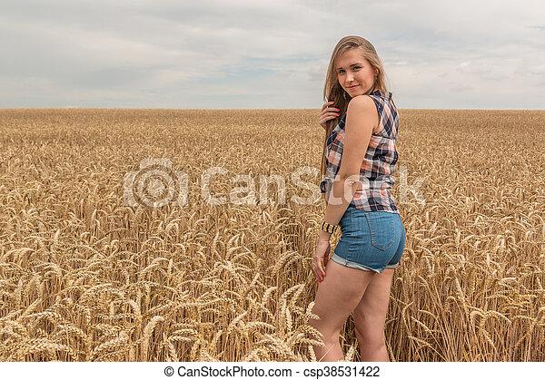 dourado, mulher, trigo, jovem, campo, feliz - csp38531422
