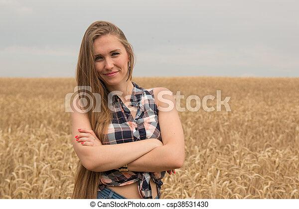 dourado, mulher, trigo, jovem, campo, feliz - csp38531430