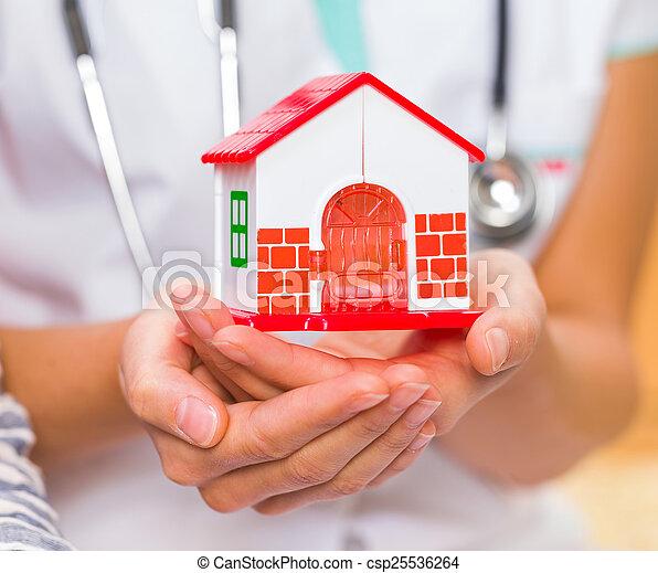 doutor familiar - csp25536264