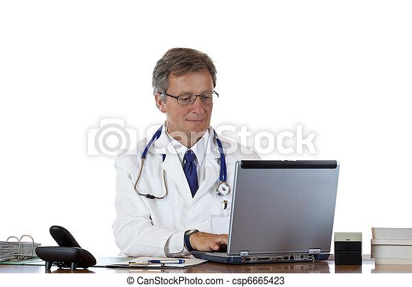 doutor, laptop, médico, pensativamente, envelhecido, amigável, tipos, história - csp6665423