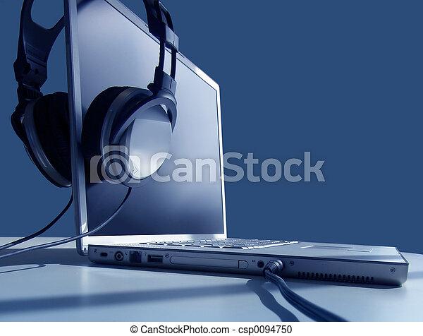 draagbare computer, het luisteren - csp0094750