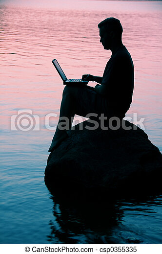 draagbare computer, man - csp0355335