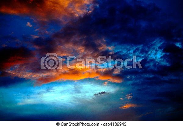 dramático, nuvens - csp4189943