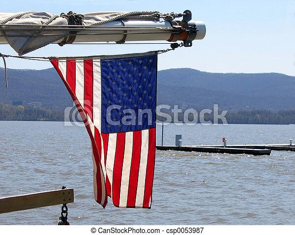 drapeau ondulant - csp0053987