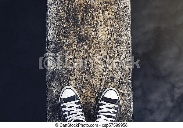 draußen, person, eins, menschliche , horizontal, lebensstile, fuß - csp57599958