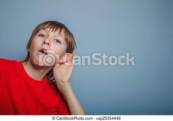 dreng, decade, overhears, g, tilsynekomst, europæisk, øre, interesse - csp25354449