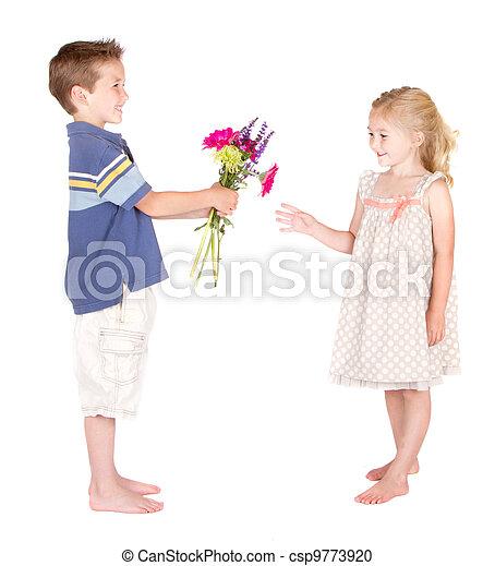 Piger giver blomster