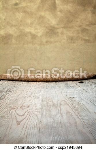drewniany stół, tło - csp21945894
