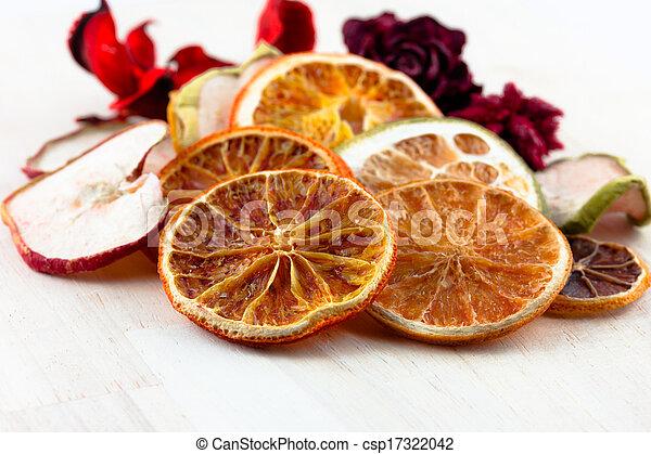 Dried Orange slices - csp17322042