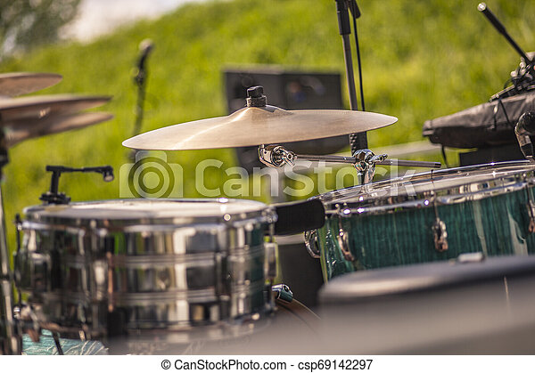 Drum plate ready for live - csp69142297