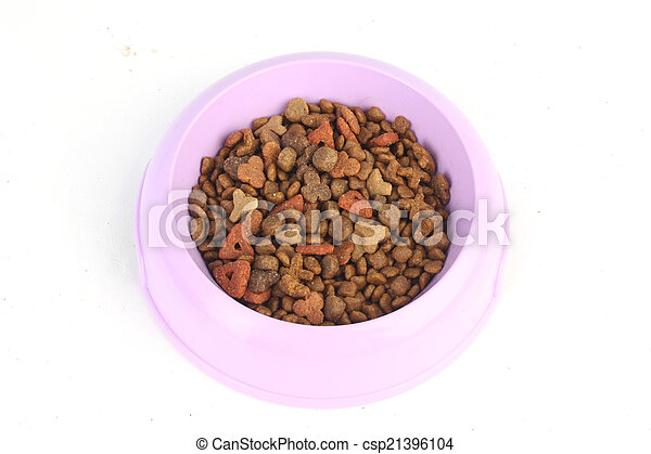Dry cat food in a purple pink bowl isolated on white background - csp21396104