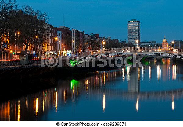 Dublin at night - csp9239071
