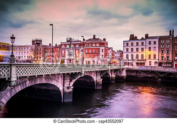 Dublin Grattan Bridge - csp43552097