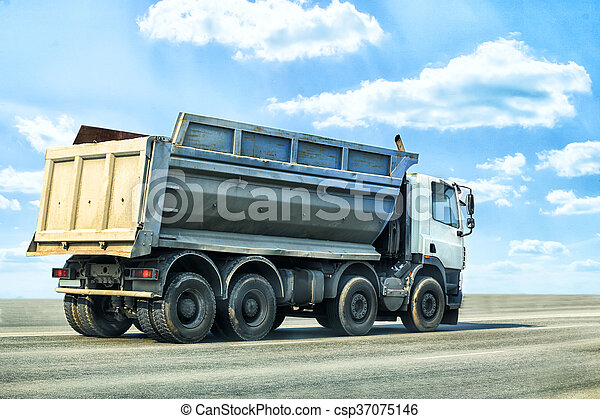Big Dump Trucks >> Dump Truck Goes On Highway