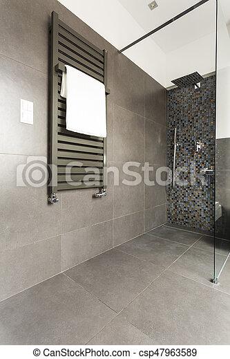 Dunkel, glas, badezimmer, dusche. Dunkel, badezimmer, heizkörper ...
