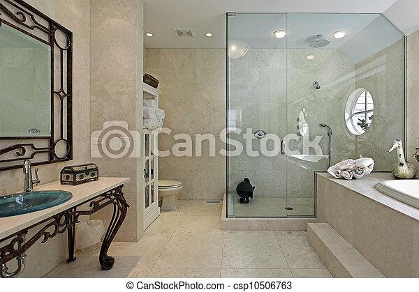 dusche gro treten meister bad gro bad dusche stockbild suche fotos und foto. Black Bedroom Furniture Sets. Home Design Ideas