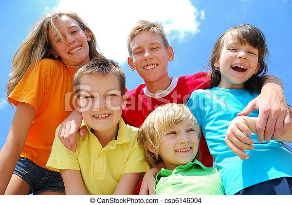 dzieciaki, piątka, szczęśliwy - csp6146004