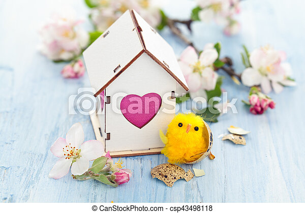 Easter decoration with apple blossom. - csp43498118