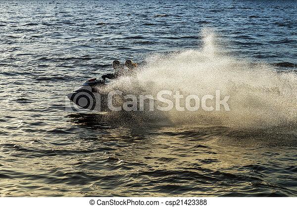 eau, scooter - csp21423388