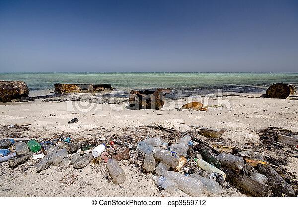 Ecología y el mar - csp3559712
