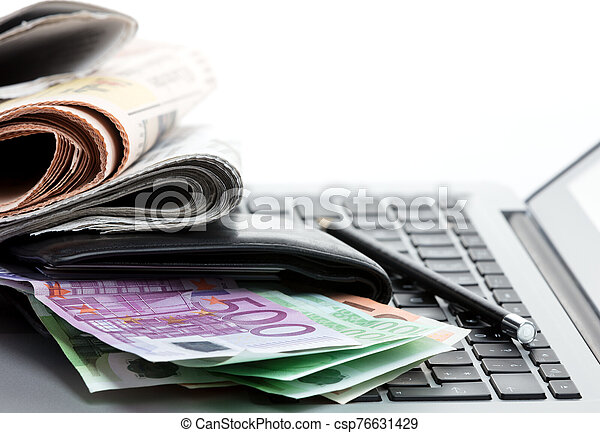 ecommerce earnings 3 - csp76631429