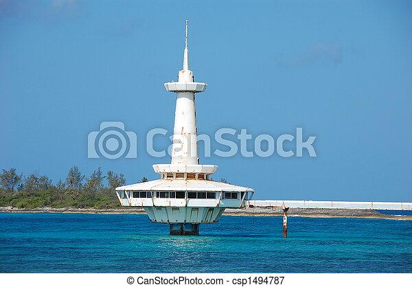 Las Bahamas del edificio abandonado - csp1494787