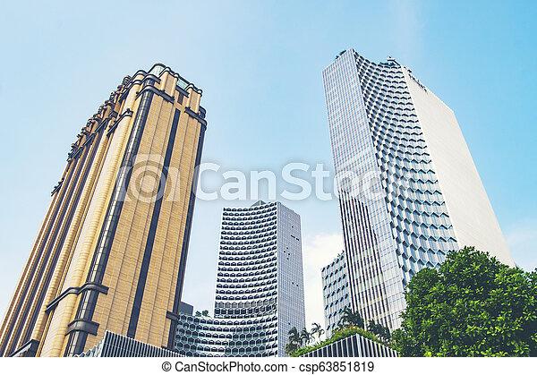 Un edificio moderno en Singapur - csp63851819