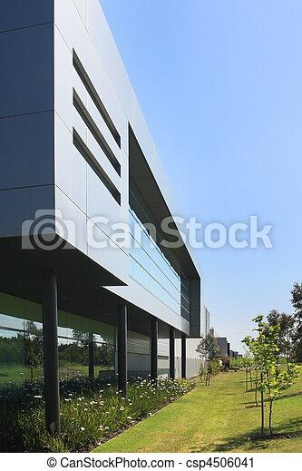 Edificio industrial moderno - csp4506041