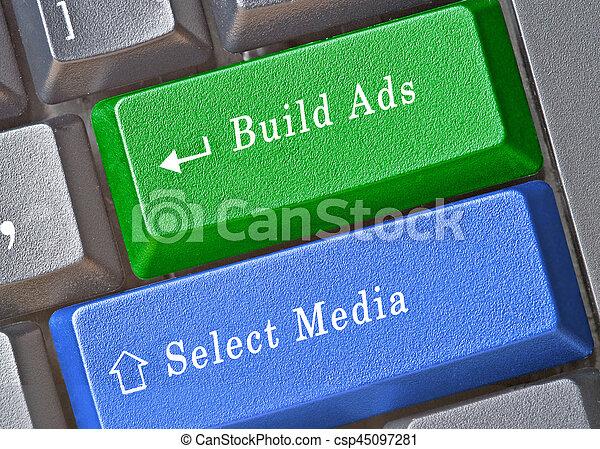 Llaves para la selección de los medios y el edificio de anuncios - csp45097281
