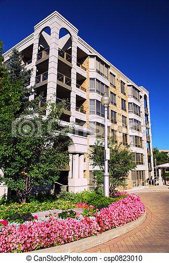 Edificio de condominio moderno - csp0823010