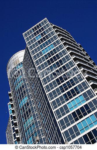 Edificio moderno de condominio - csp1057704