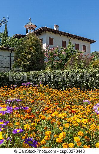 Edificios en el monasterio medieval rozhen de la Natividad de la madre de Dios, Bulgaria - csp60278448