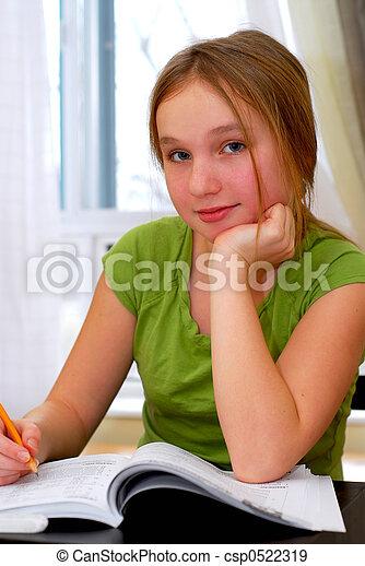 eduquer fille - csp0522319