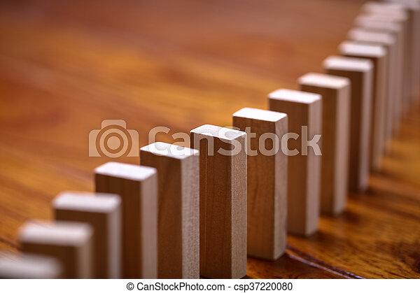 Efecto dominó - csp37220080