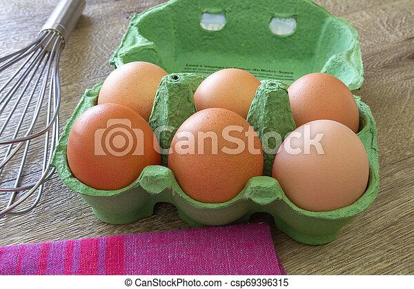egg - csp69396315