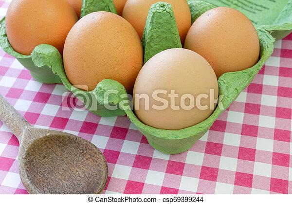 egg - csp69399244