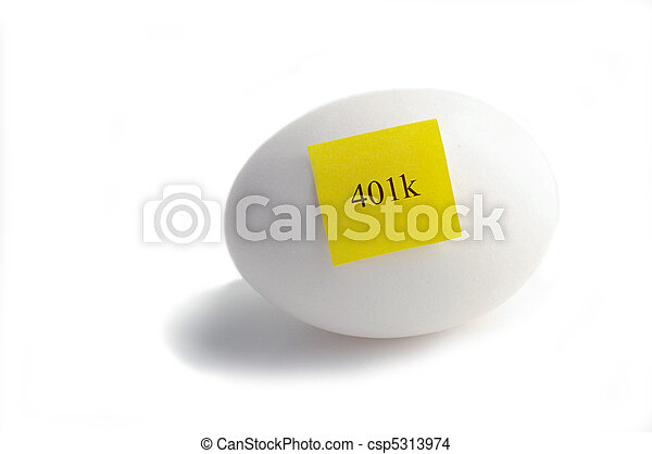 Egg with yellow 401k sticky note  - csp5313974
