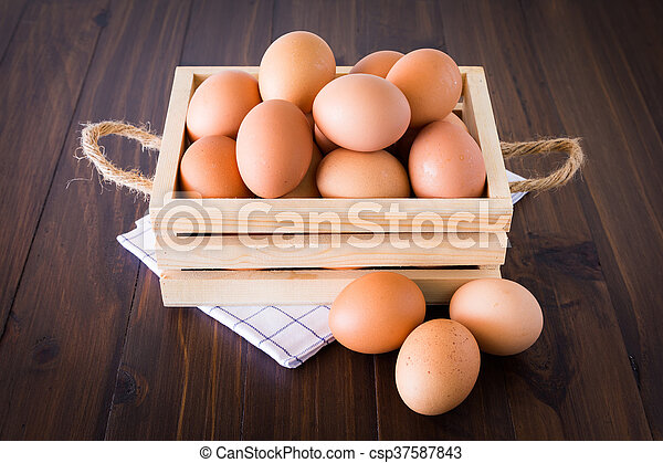 Eggs in crate - csp37587843