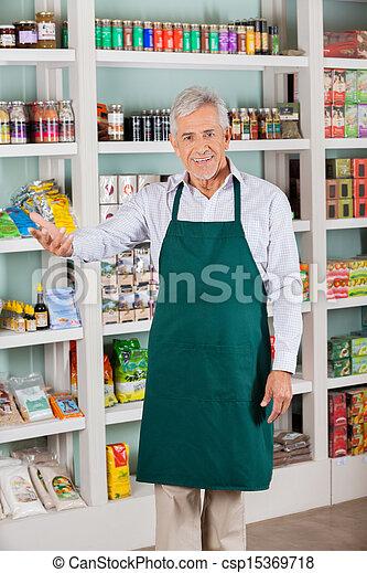 eigentümer, mann, kaufmannsladen, gesturing, supermarkt - csp15369718