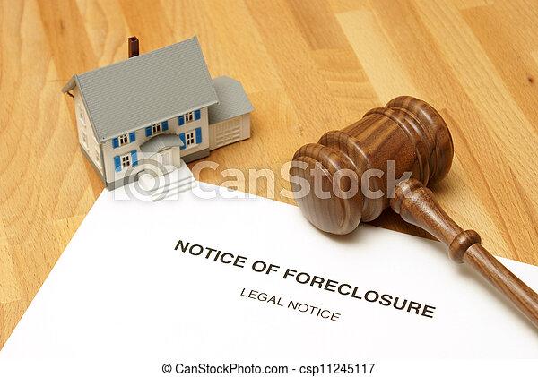 La ejecución hipotecaria - csp11245117
