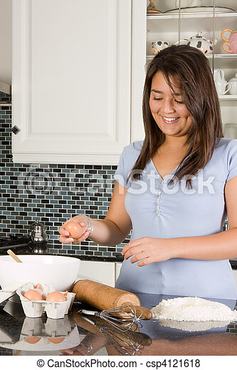 Haciendo pasta - csp4121618