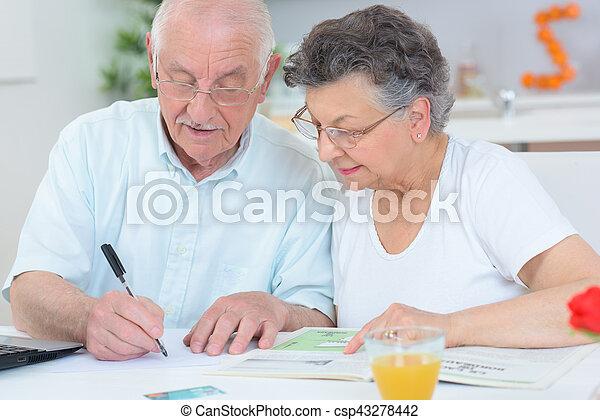 elderly couple - csp43278442