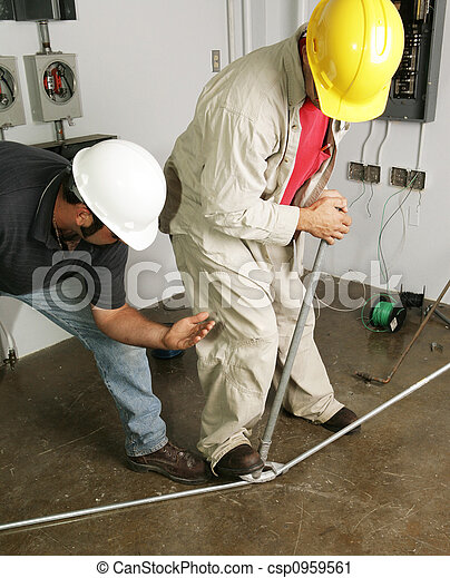 Electrician & Supervisor Bend Pipe - csp0959561