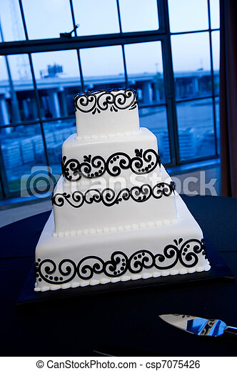 Elegant Black & White Wedding Cake - csp7075426