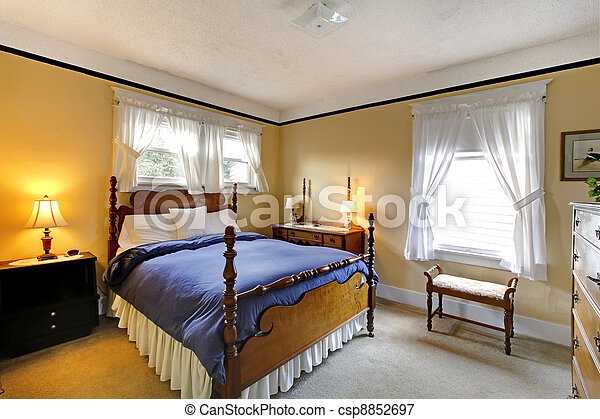 Elegant Old English Style Bedroom Yellow And Blue
