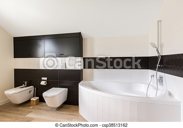 Elegante, cuarto de baño, bañera, grande. Piso de baño, de madera ...