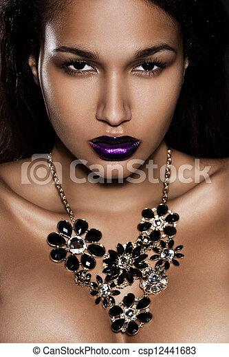 elegante, mulher, jóia, na moda - csp12441683