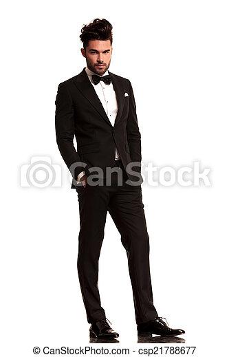 finest selection 80387 b0043 elegante, rilassato, tuxedo uomo