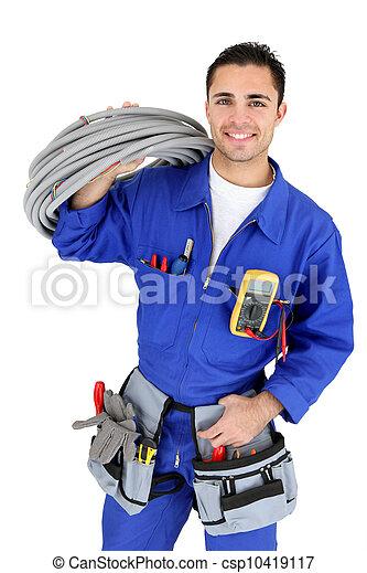 Elektriker stand mit Verkabelung - csp10419117
