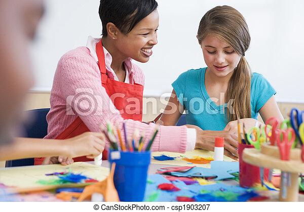 Elementary school art class - csp1903207
